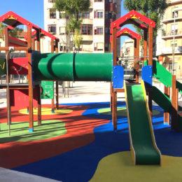 Parque multijuegos toboganes